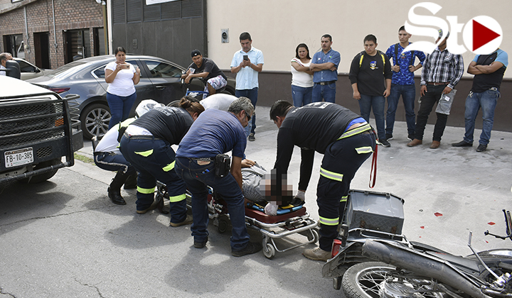 Conductor de camioneta arrolla motociclista en Torreón