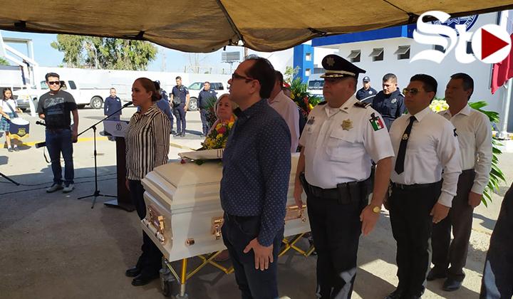 Rinden homenaje a elemento fallecido en Gómez Palacio