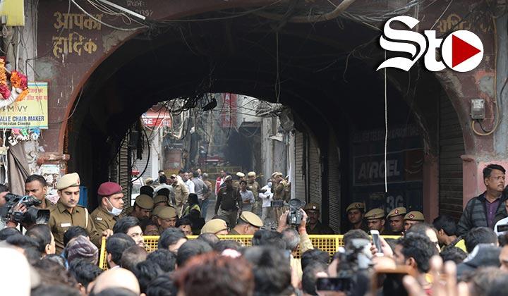 Mueren 43 personas por incendio de fábrica en la India