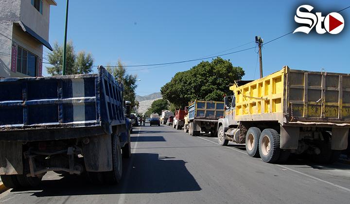 Van por regularización de materialistas de Torreón