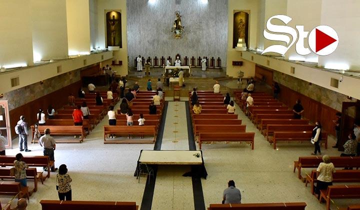 Celebran misas presenciales en Torreón con medidas sanitarias