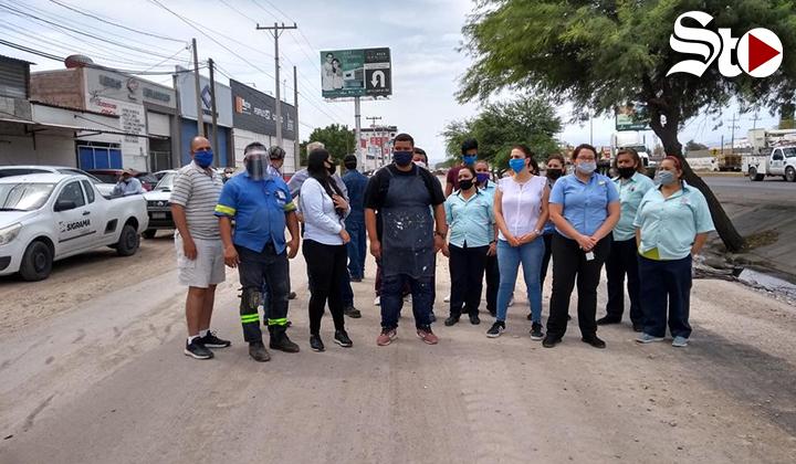 Protestan por tardanza en obras del Simas Torreón