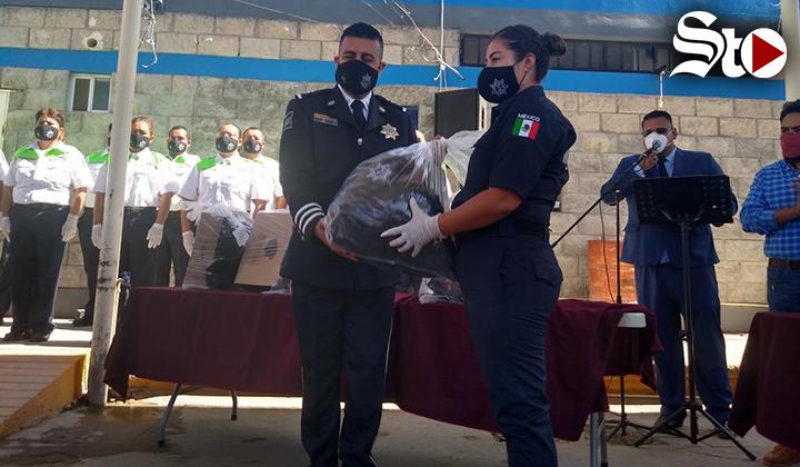 Entregan uniformes a policías de Matamoros