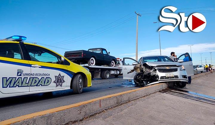 Fuerte accidente en el periférico de Torreón deja cuatro lesiona