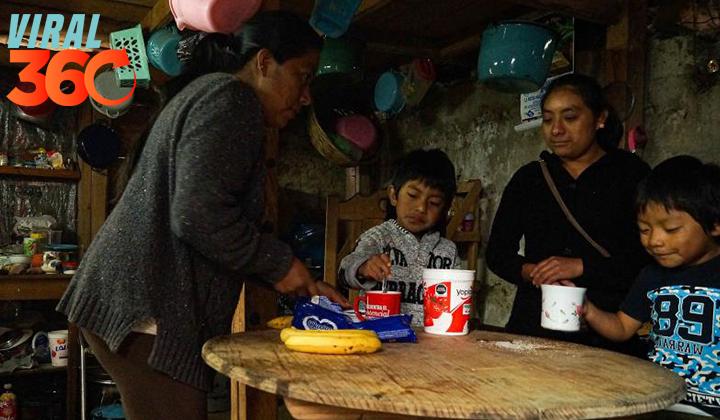 Educar los hijos a distancia en México siendo analfabeta