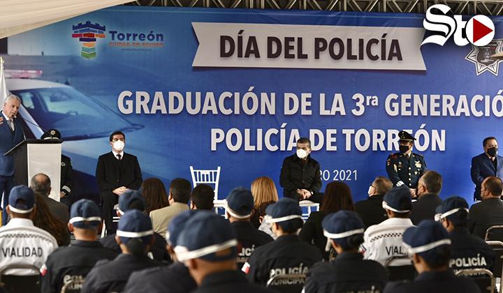 Se gradúan cadetes de la Academia de Policía de Torreón