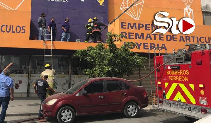 Se incendia aparato de aire en casa de empeño de Torreón