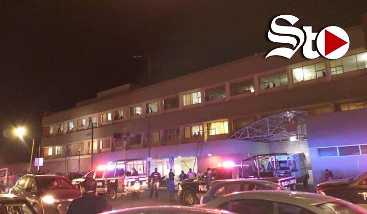 Mujer amaga con lanzarse de segundo piso de hospital en Saltillo