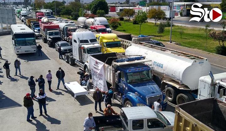 Protestan transportistas en Gómez Palacio; dicen ser víctimas