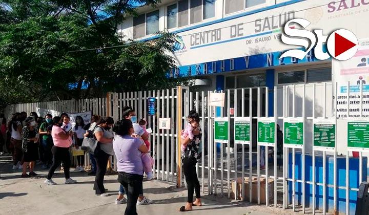 Abarrotan Centro de Salud en Gómez Palacio por vacuna BCG