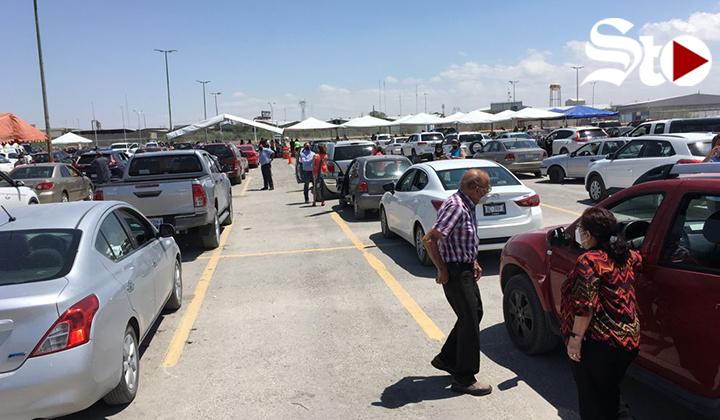 Aplican 2 mil vacunas contra COVID en Drive-thru de Torreón