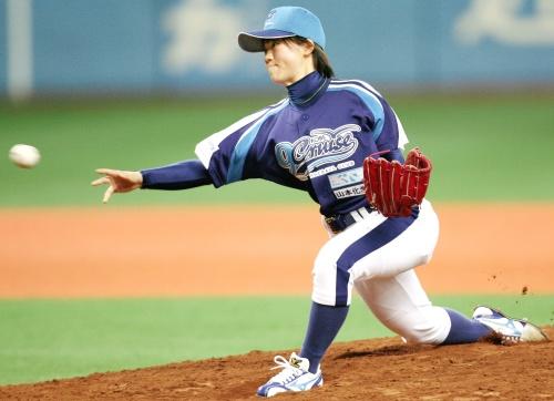 Debuta mujer a los 17 años en beisbol profesional de Japón 0428823568b