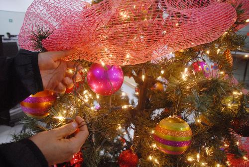 ab8e37ce6ba Alerta. Es importante elegir bien las series navideñas para el árbol para  evitar accidentes.
