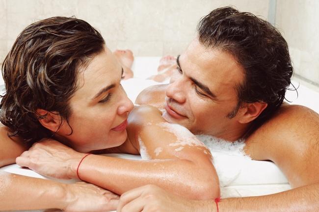 mi novia quiere un bano juntos