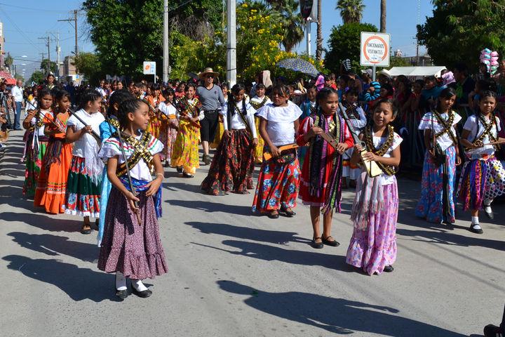 Desfile Congrega A 5 Mil Matamorenses