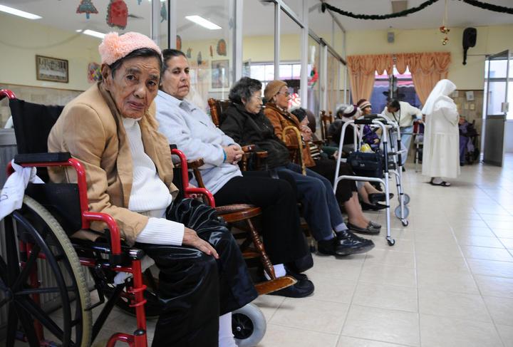 Crean ambiente c lido y familiar para los adultos mayores for Asilos para ancianos