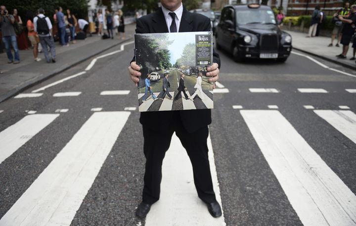 Fotos de los beatles cruzando la calle 80