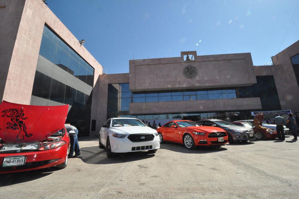 Alistan Exhibición De Carros Modificados El Siglo De Torreón