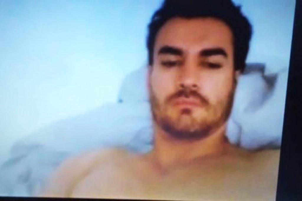 Video porno vivian cepeda y eliseo robles jr - 1 1