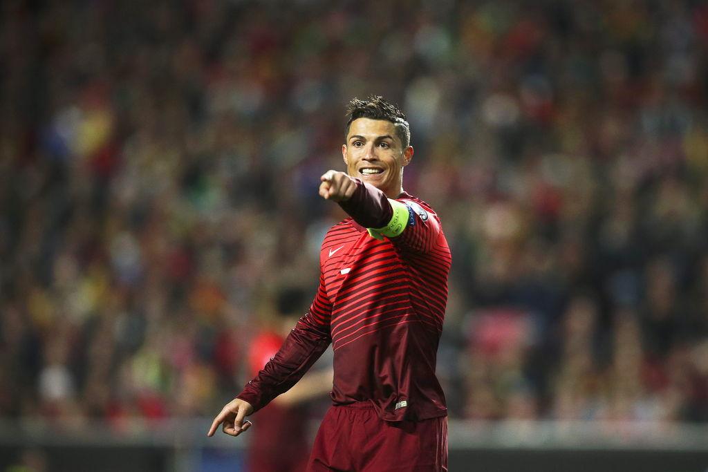 La Federación Portuguesa de Futbol (FPF) no descarta que Cristiano Ronaldo  pueda participar en los Juegos Olímpicos que se celebran en Río de Janeiro  en ... de28eb9473604