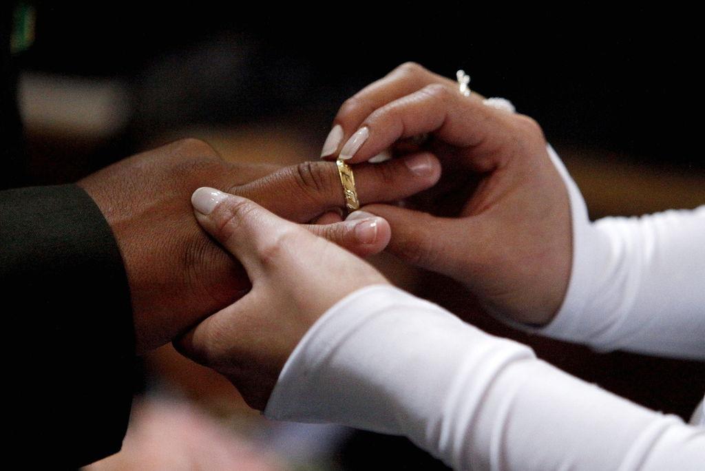 Aumenta de 14 a 16 a os la edad m nima para casarse en espa a for Casarse en madrid
