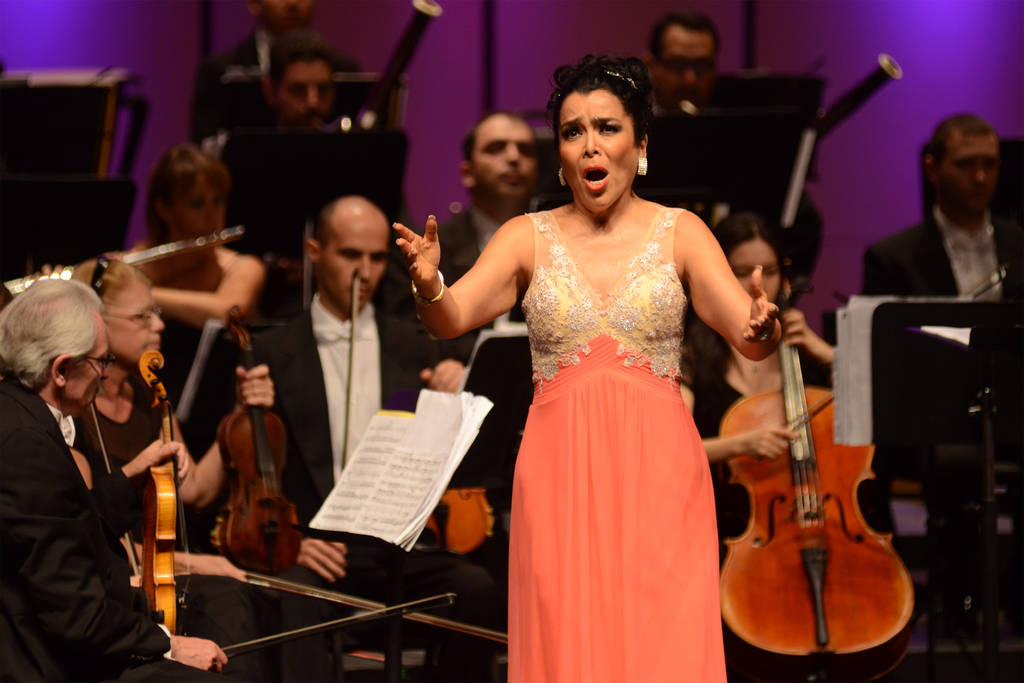 Fallece destacada soprano mexicana Violeta Dávalos