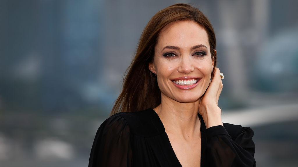 Escritor ruso le hace propuesta insólita a Jolie