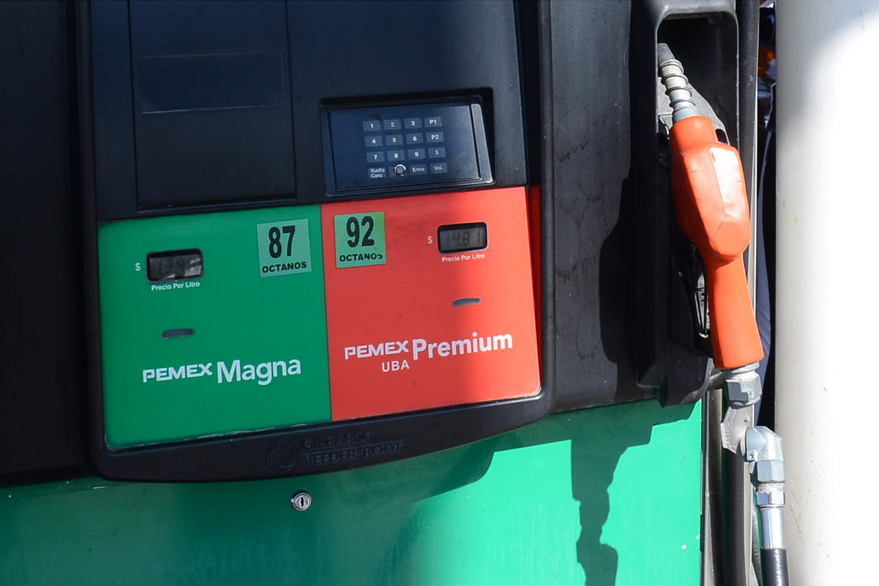 Robar la gasolina de la gasolinera