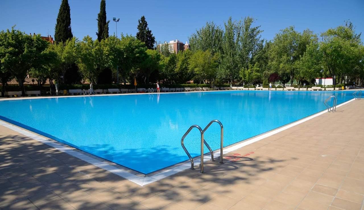 Emisora califica como d a molesto el ahogamiento de un ni o for Piscinas municipales madrid 2017