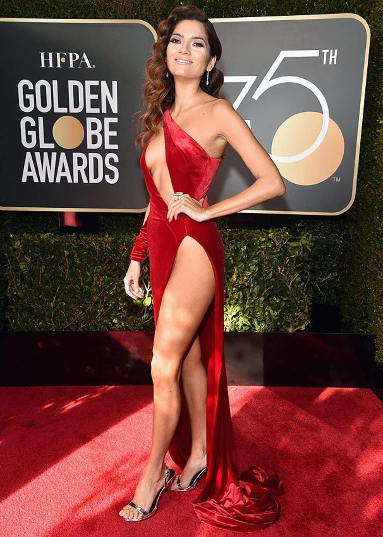 #LoMásLeído Vestido rojo causa controversia. Noticias en tiempo real