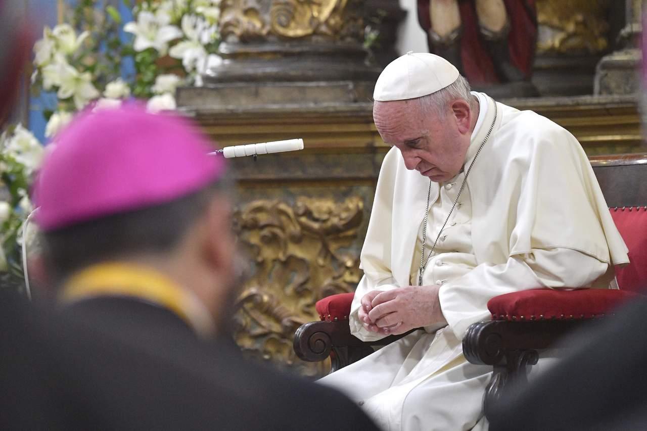 Pide Papa perdón por casos de abusos