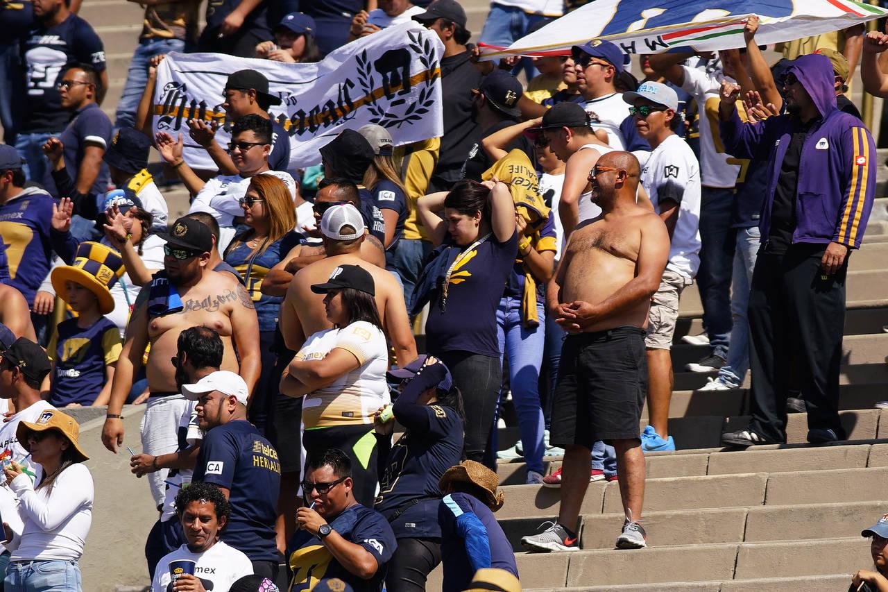 Discreto Fuera de borda Mal humor  Cerveza sin alcohol para porra visitante en CU, El Siglo de Torreón