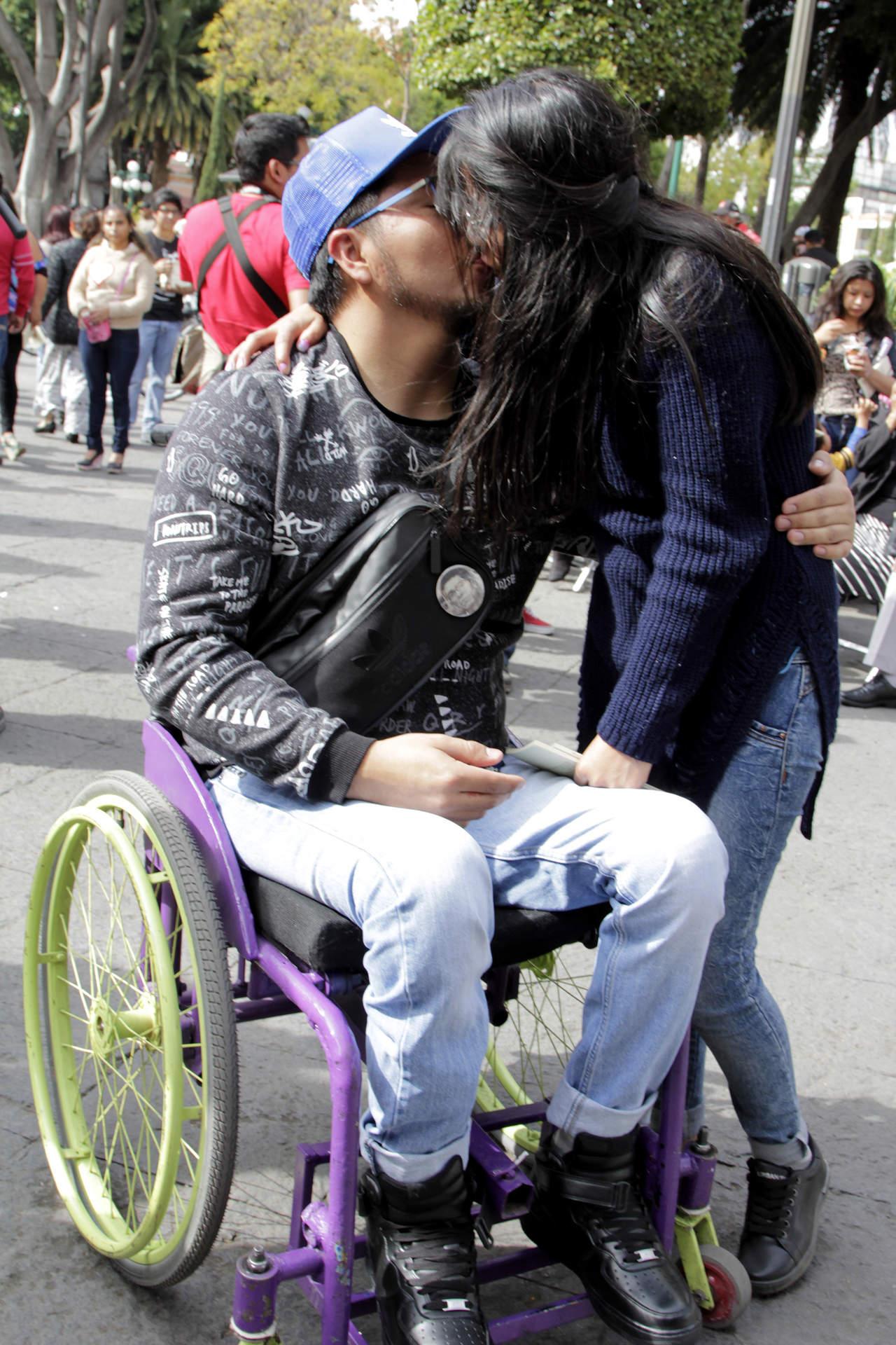 Como busca pareja los discapacitados [PUNIQRANDLINE-(au-dating-names.txt) 54