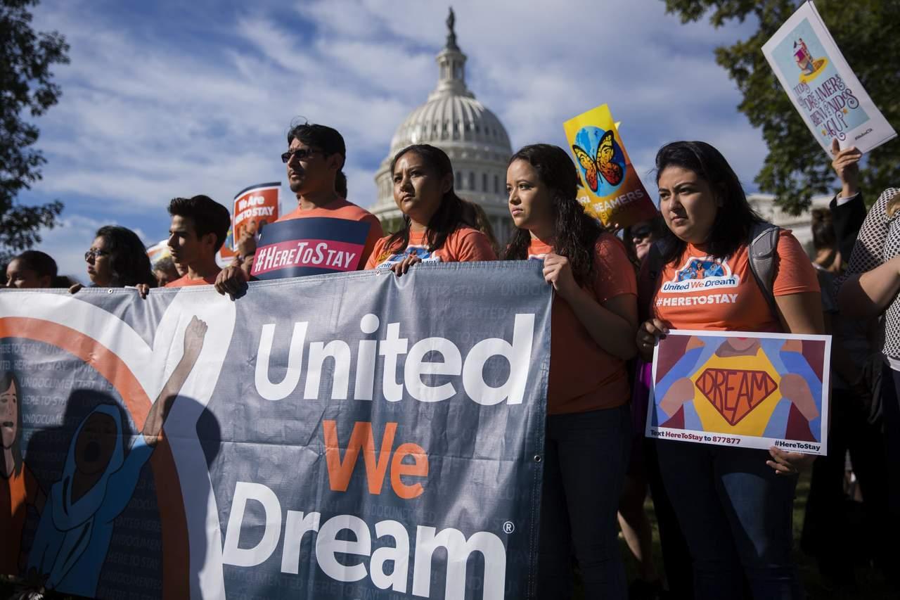Prohíben a Gobierno de Trump revocar DACA sin opción de defensa. Noticias en tiempo real