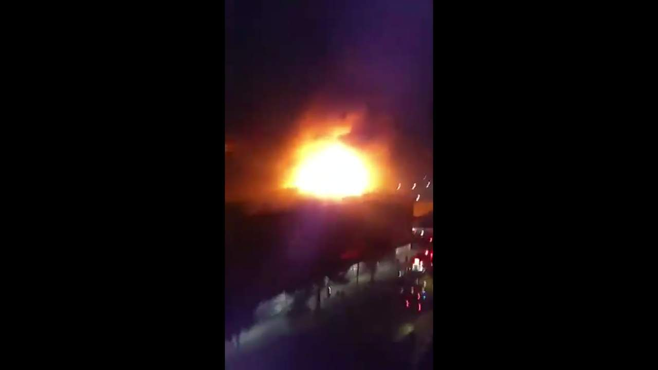 Se incendia una tienda comercial y el mercado Hidalgo en CDMX. Noticias en tiempo real