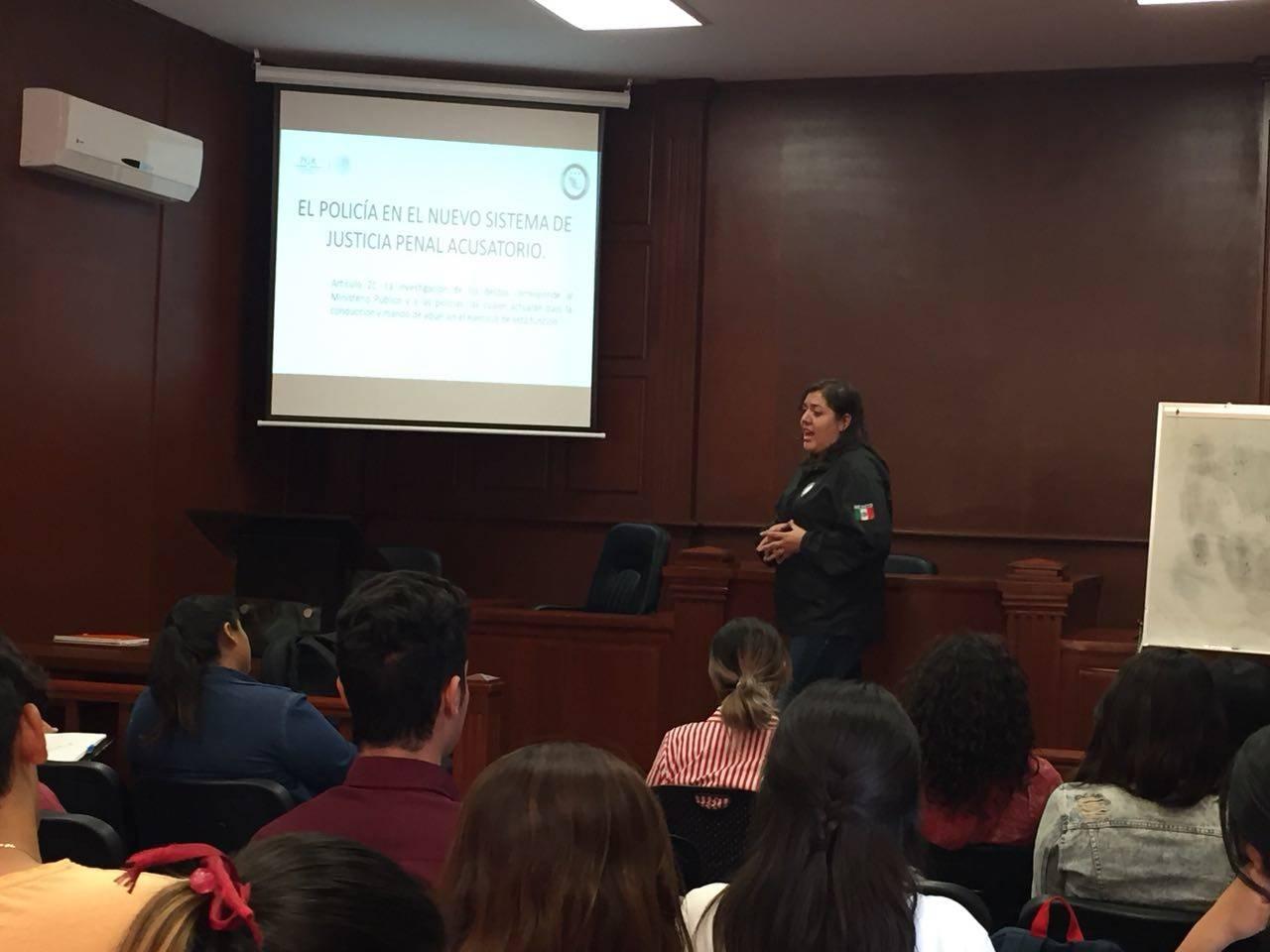 Capacita PGR a alumnos de criminología