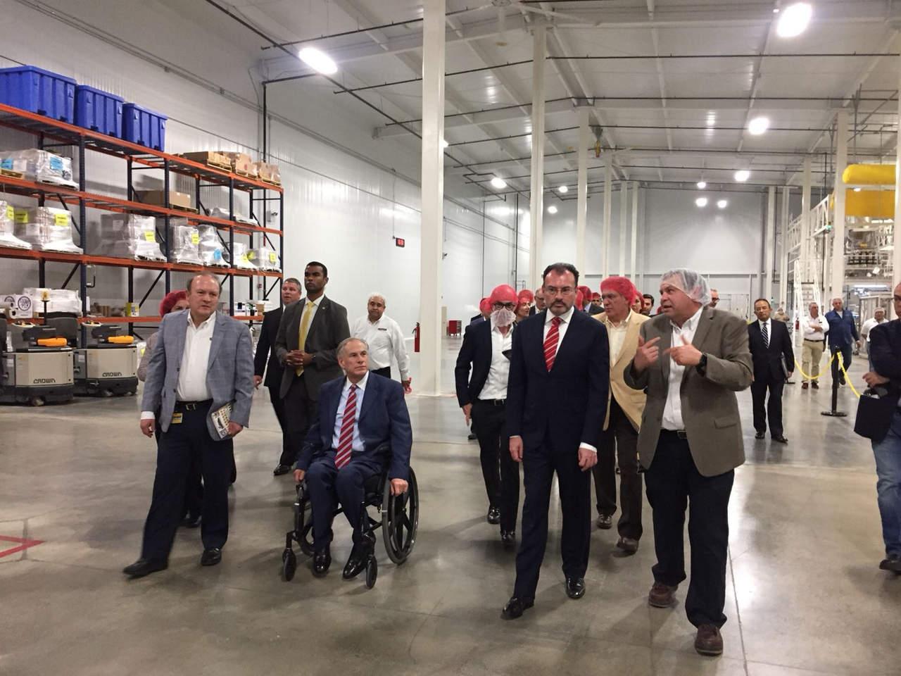 Inauguran Videgaray y Abbott planta de La Moderna en Texas. Noticias en tiempo real