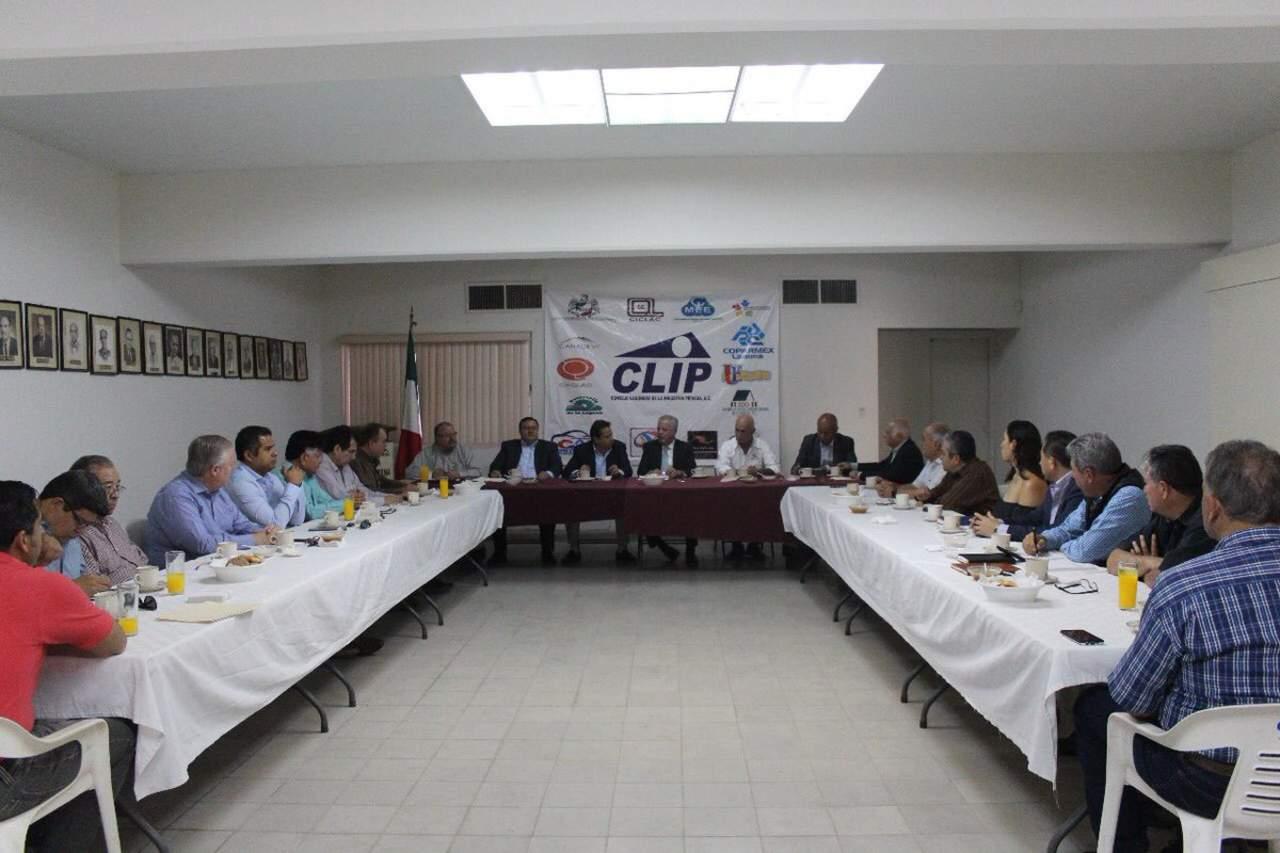 Se reúne CLIP con Zermeño; rechazan ciclovía en la Colón. Noticias en tiempo real