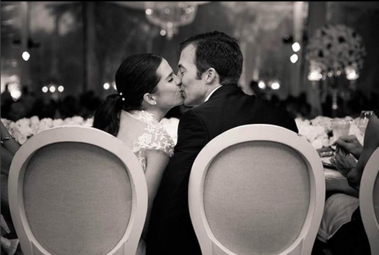 Souza comparte foto de su boda con amoroso mensaje. Noticias en tiempo real