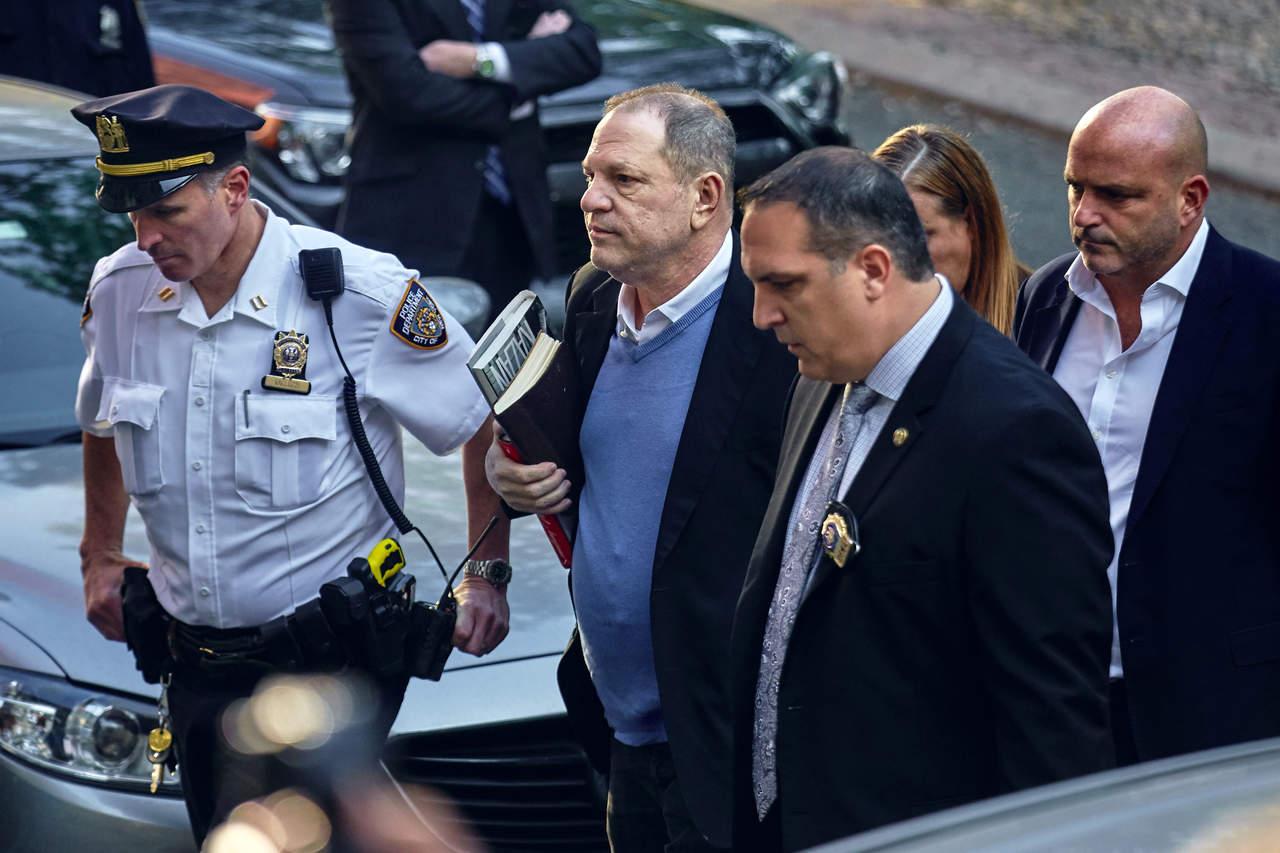 Harvey Weinstein se entrega en una comisaría de Nueva York. Noticias en tiempo real