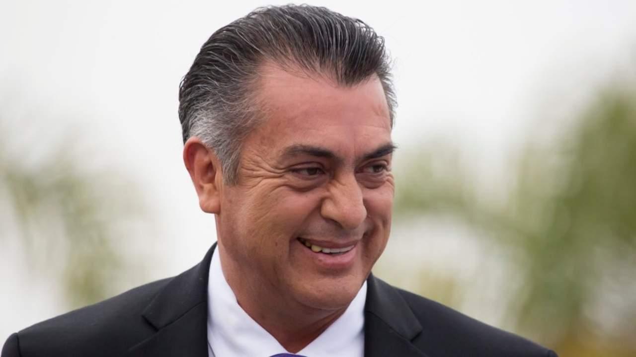 Rodríguez Calderón arriba al Gran Museo Maya para el debate. Noticias en tiempo real