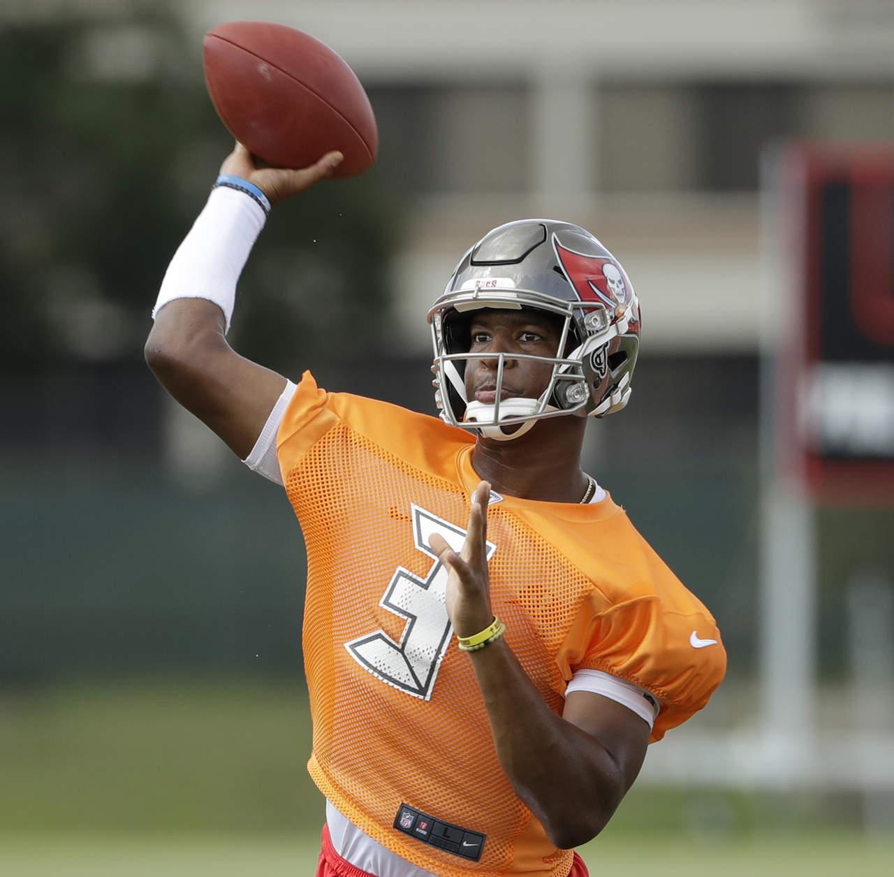 Suspenden tres partidos al quarterback Jameis Winston de Tampa Bay. Noticias en tiempo real