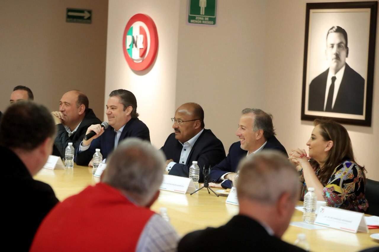 Meade se reúne con dirigencia del PRI para agradecer apoyo. Noticias en tiempo real