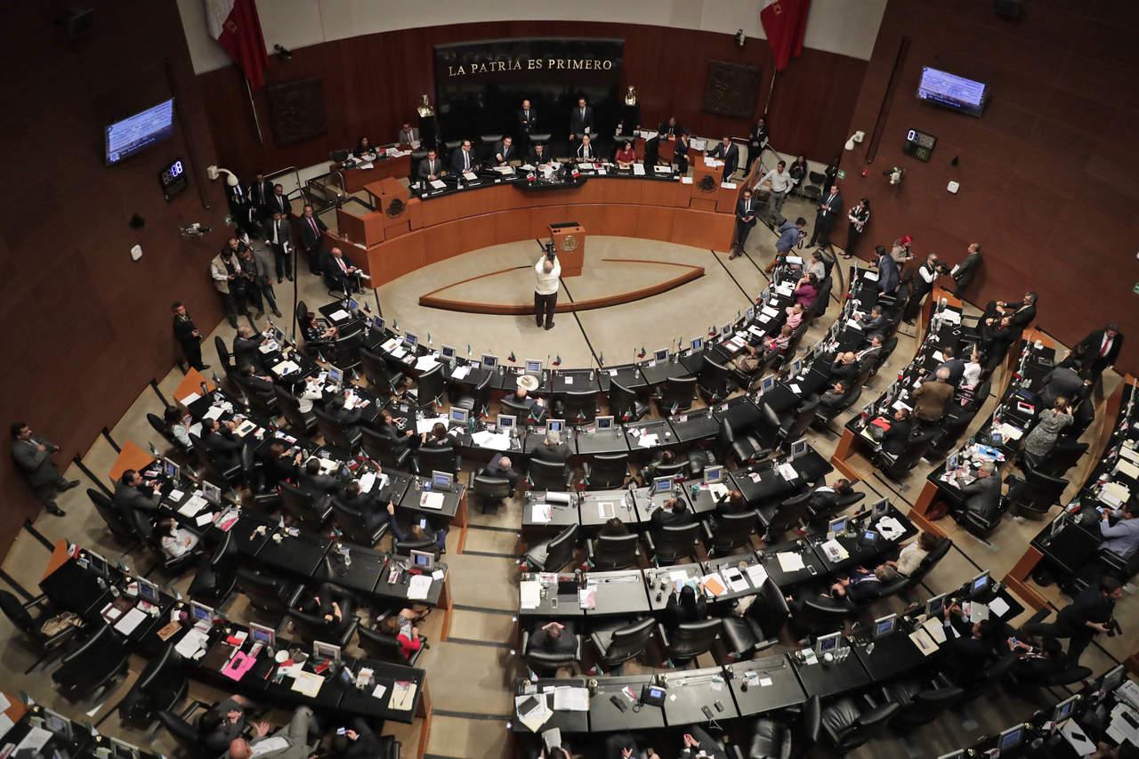 Senado avala programa de austeridad; quita beneficios a legisladores. Noticias en tiempo real