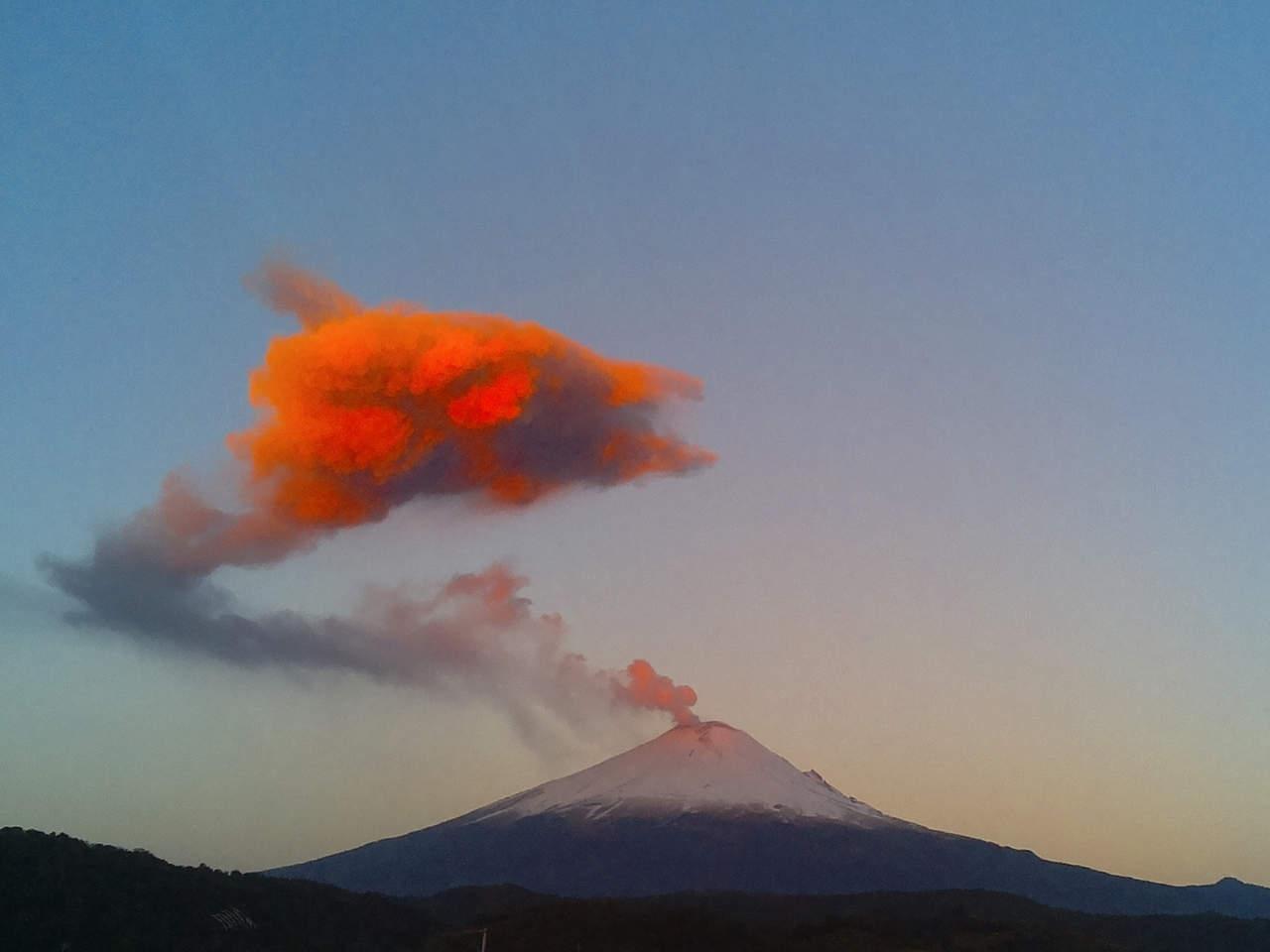 Reportan caída de ceniza del Popocatépetl en 9 delegaciones de CDMX. Noticias en tiempo real