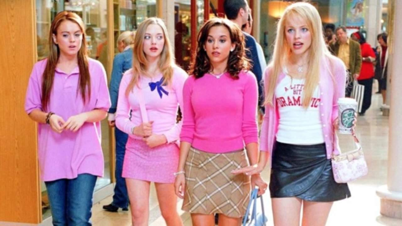 4ee3236e6 El público celebra el día  fetch  de la película Chicas Pesadas.