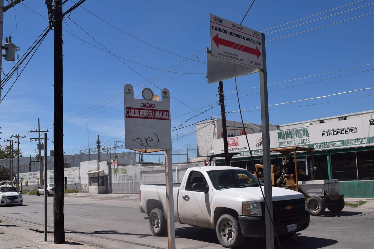 Retiran nombre de Carlos Herrera a calzada; volverá a llamarse Lázaro Cárdenas