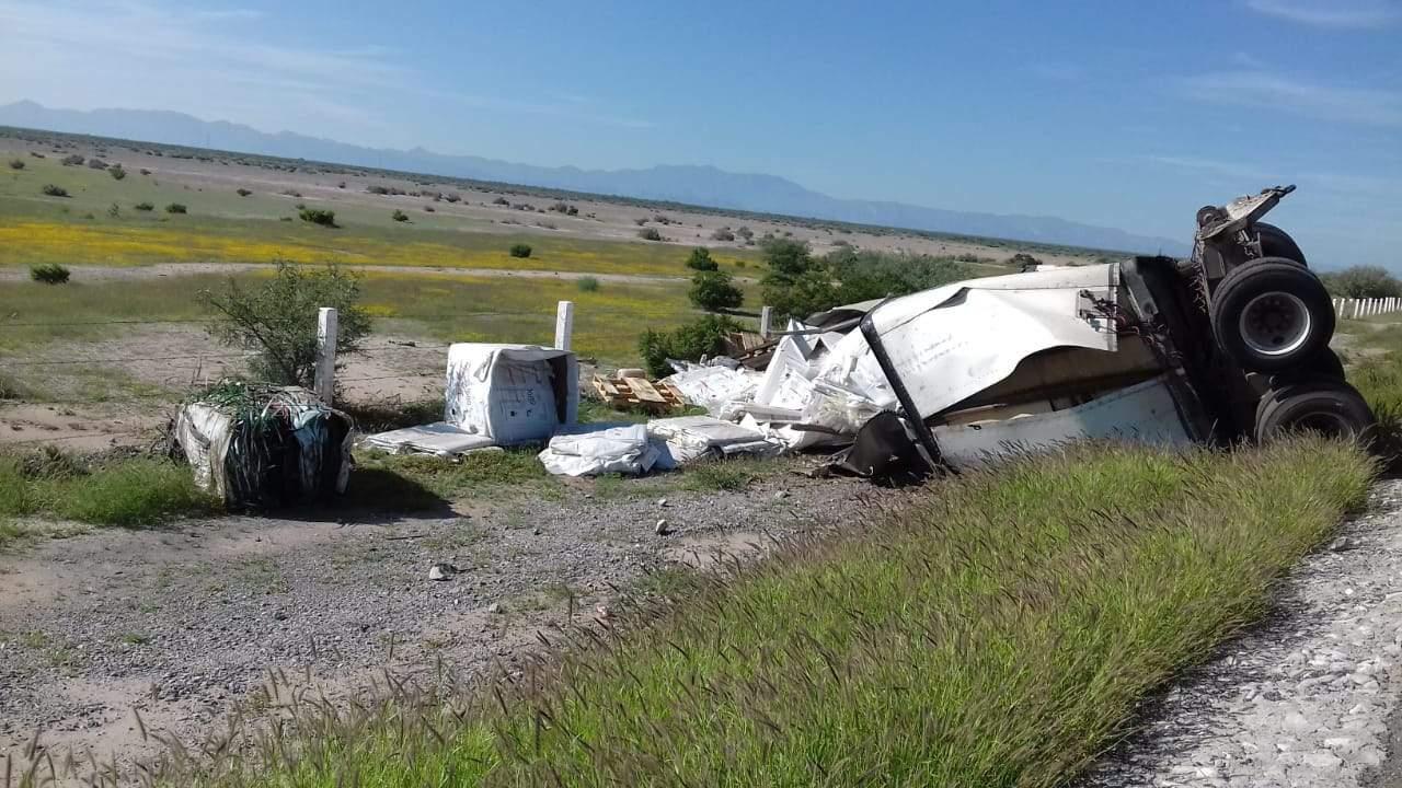 Se desprende caja con residuos peligrosos en la Matamoros-La Cuchilla