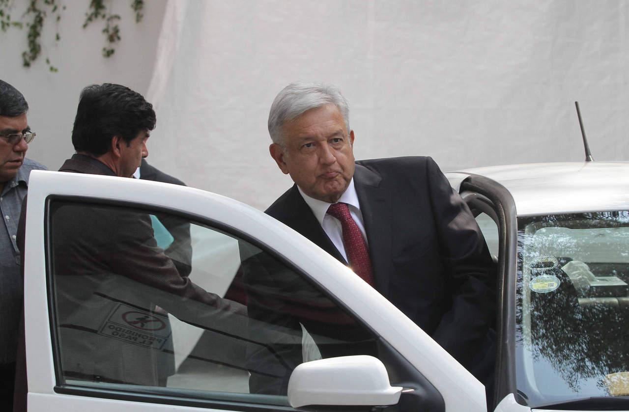 López Obrador recibe a líderes de la CNTE en casa de transición. Noticias en tiempo real