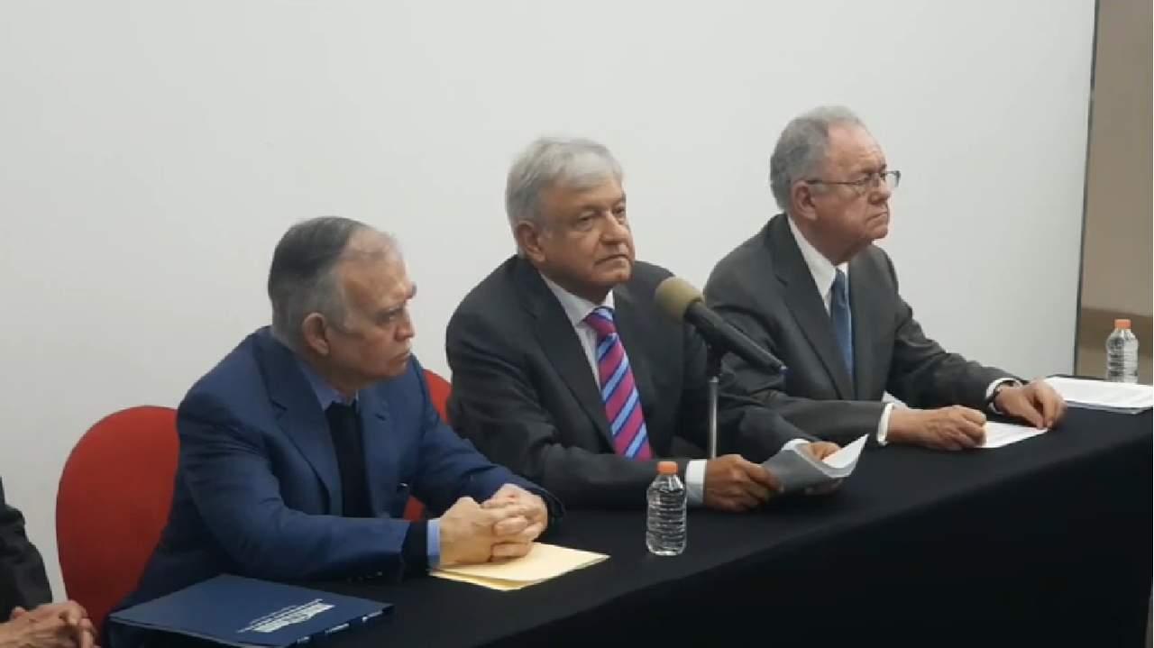 López Obrador asegura que se construirá el aeropuerto en Santa Lucía. Noticias en tiempo real